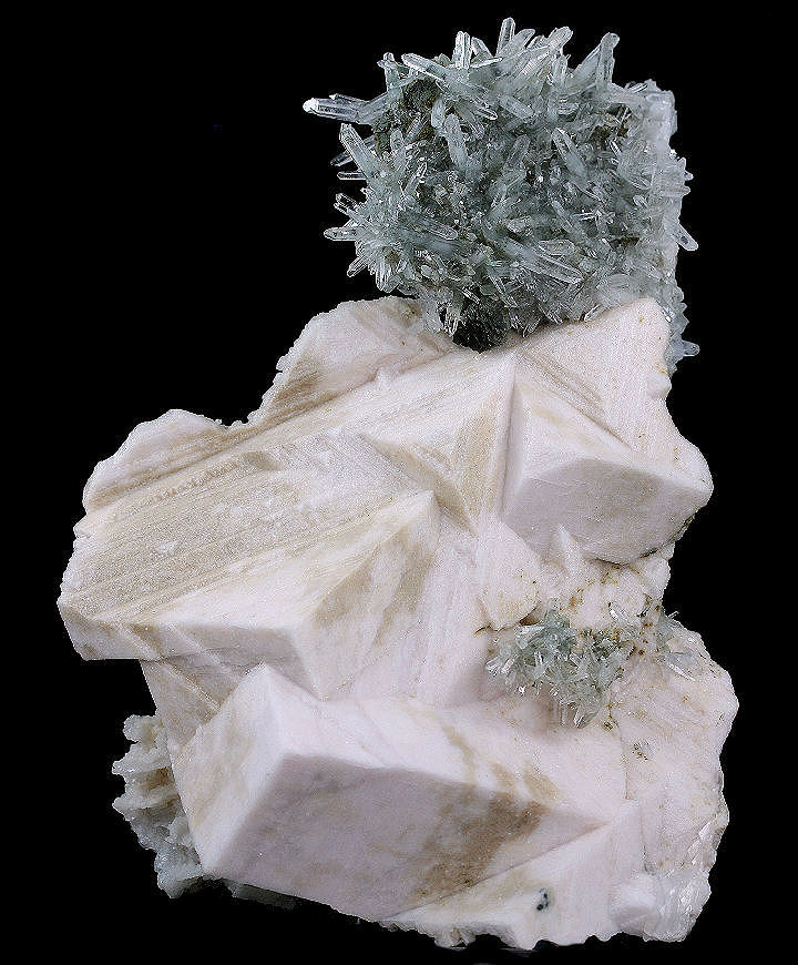 Dolomite with Quartz and Pyrrhotite